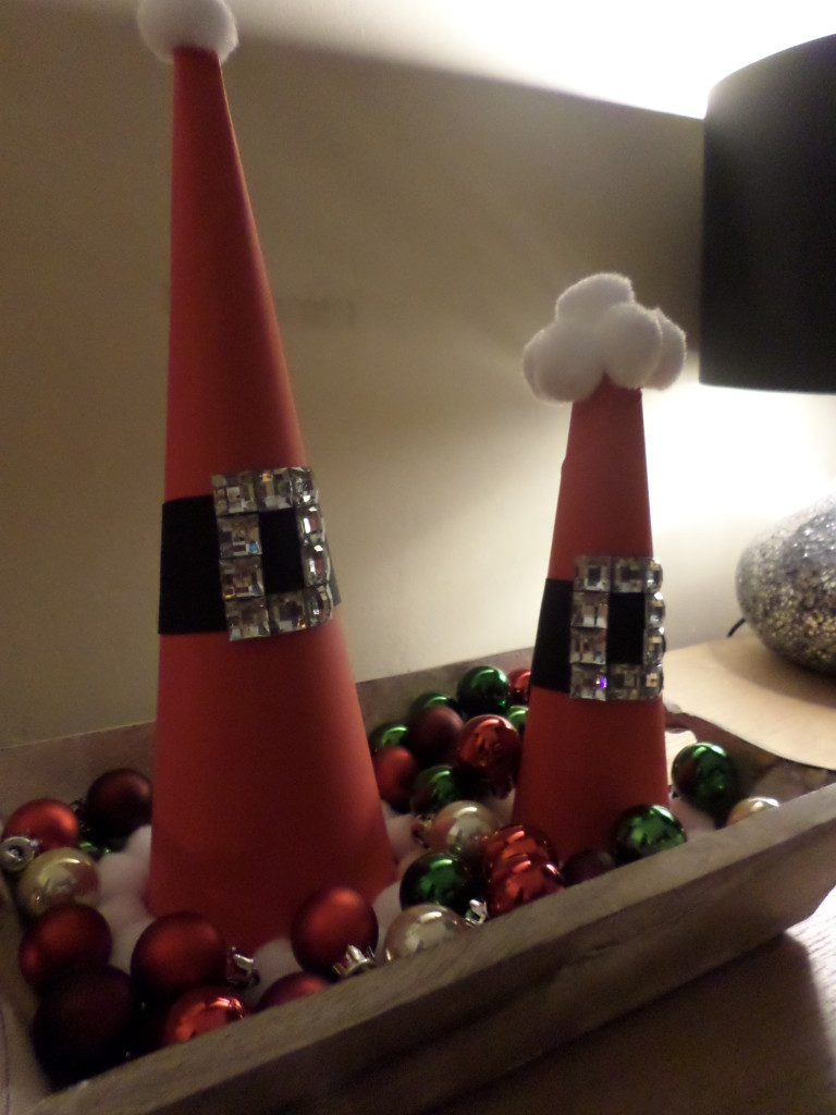 Anoushka Loves Santa Hat Centrepiece