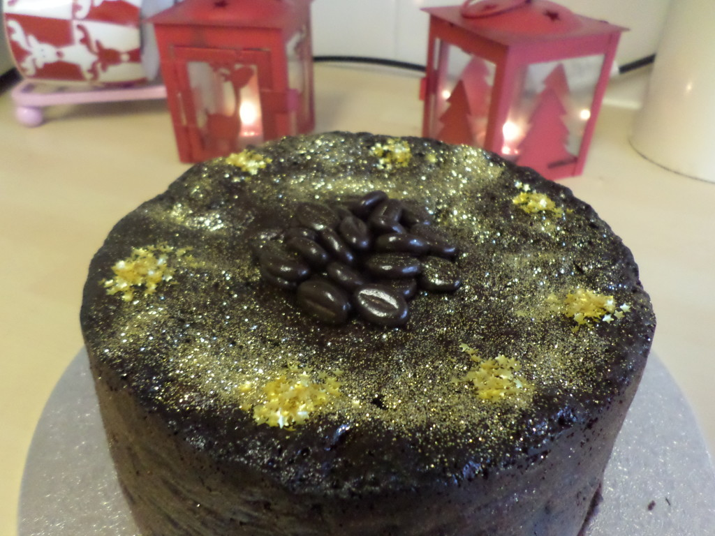 Anoushkaloves christmas cake