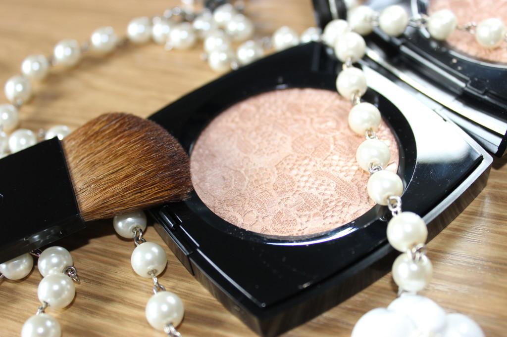 Chanel Dentelle Précieuse Illuminating Powder (7)