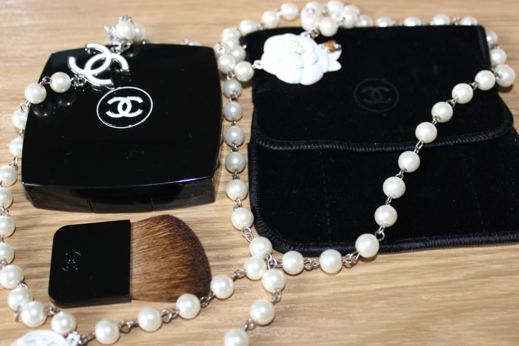 Chanel Dentelle Précieuse Illuminating Powder