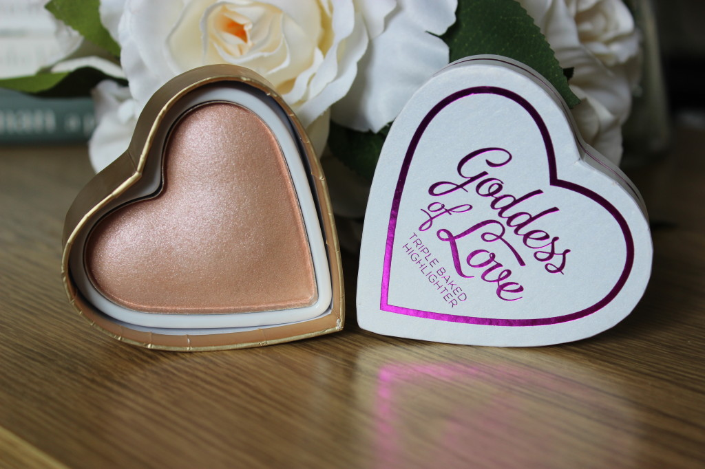 I Heart Makeup Blushing Hearts Goddess of Love Highlighter
