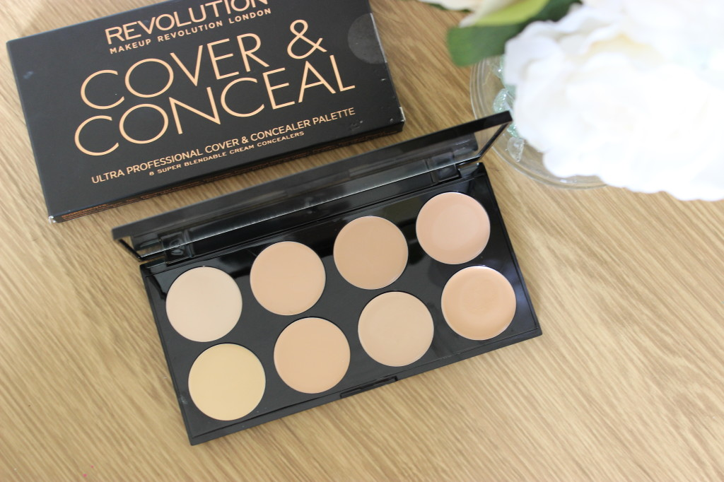 Makeup Revolution Cover and Conceal Palette Light (2)
