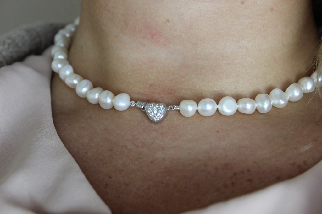 Absolute Pearls Christmas Sweetheart Necklace