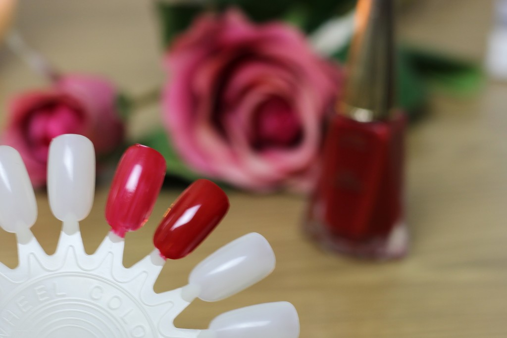 Joan Collins Crystal Lips (37)
