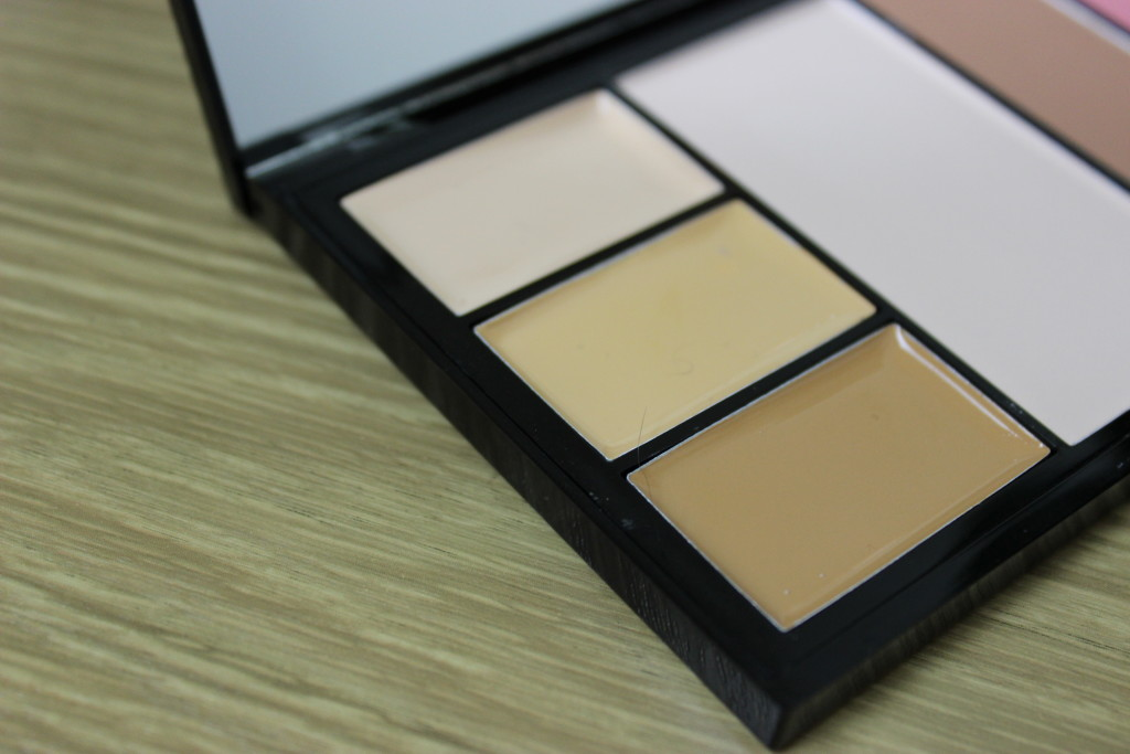Makeup Revolution Protection Palette in Medium
