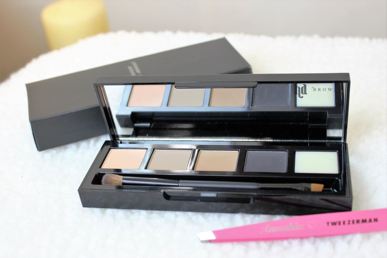 HD Brows Palette in Bombshell