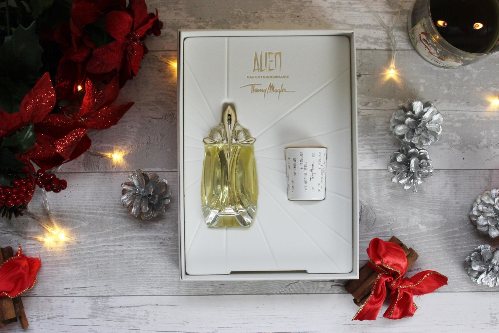 Alien Eau Extraordinaire Gift Set Fragrance Direct