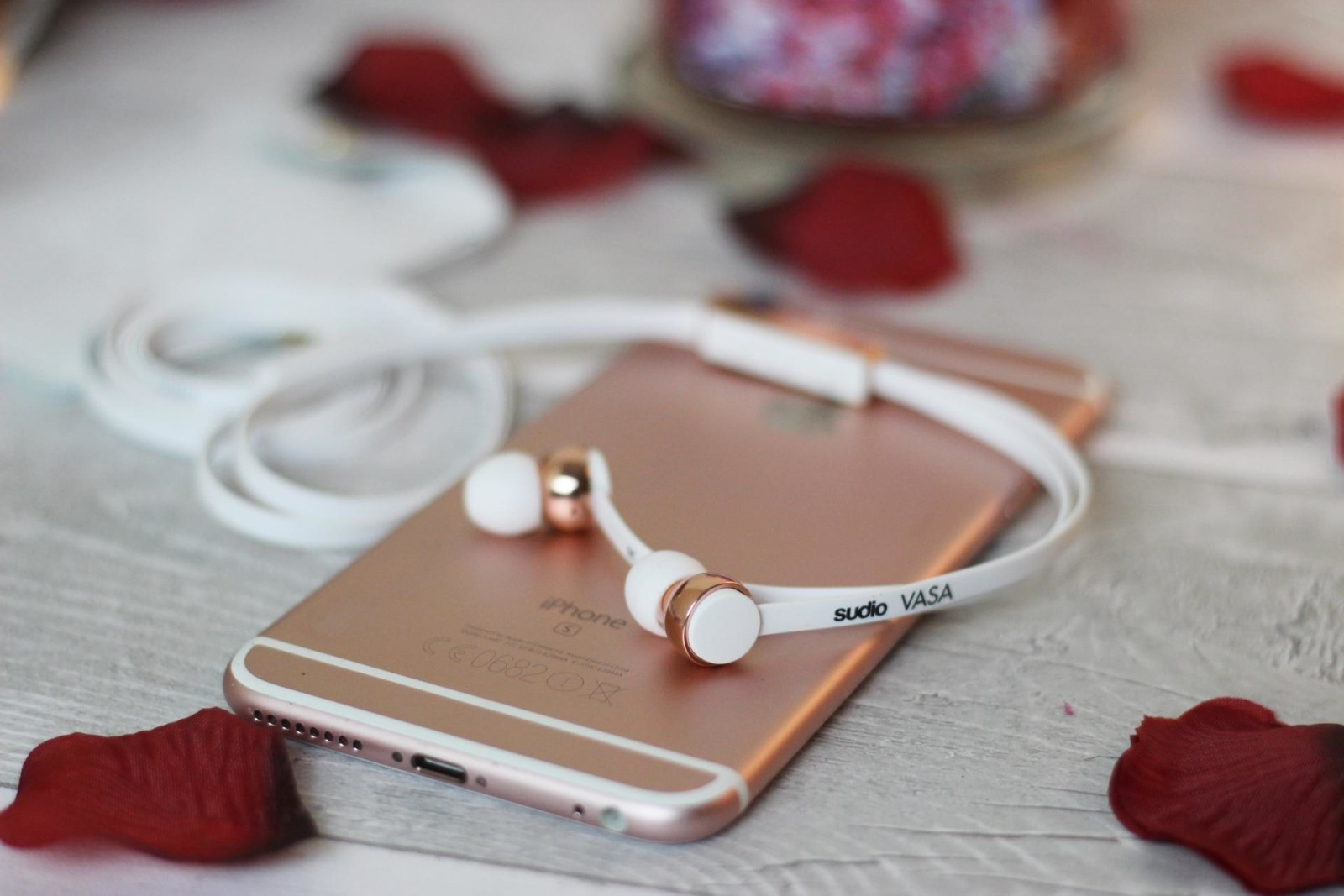 Sudio Sweden Vasa Rose Gold Earphones