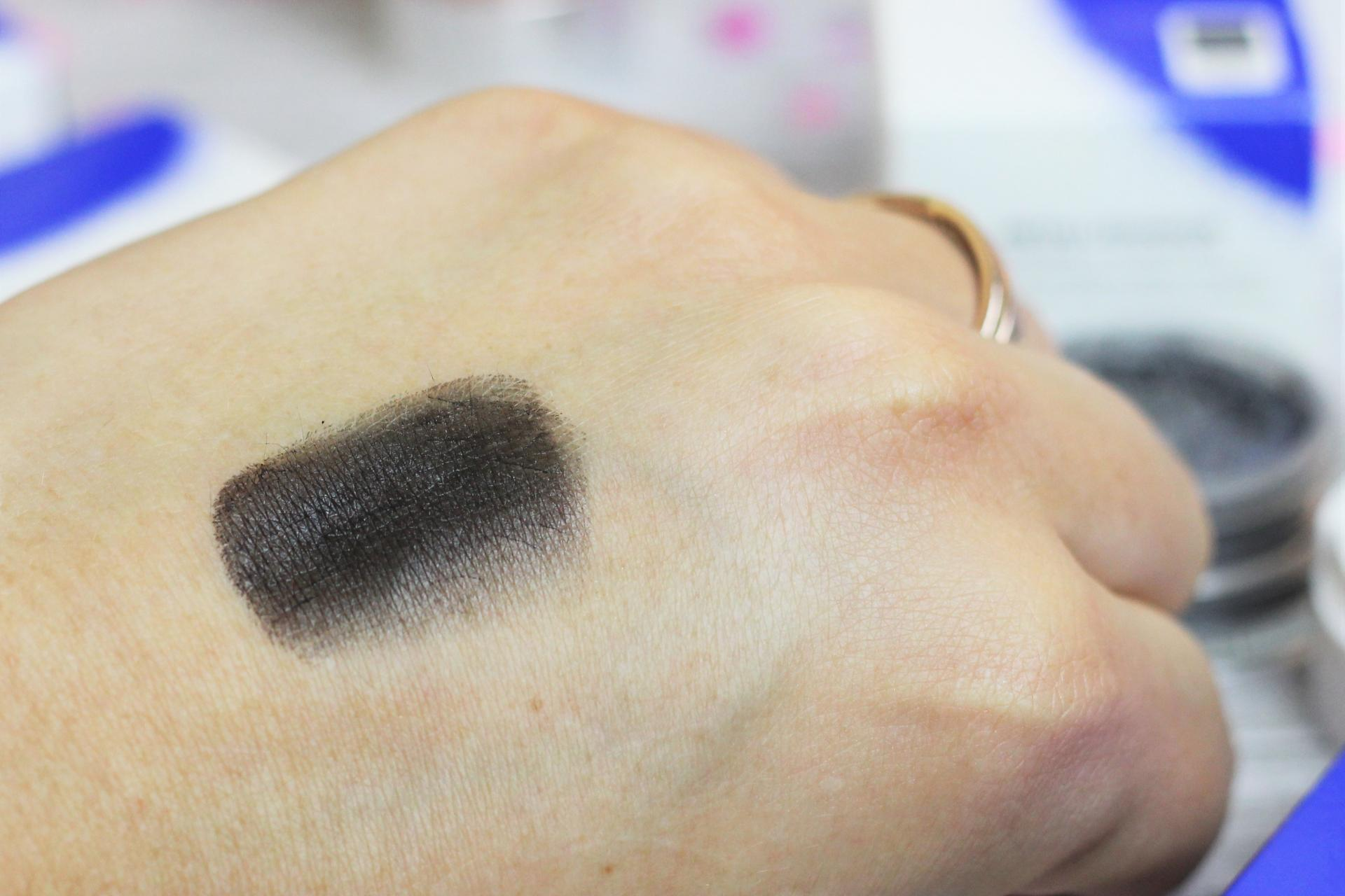 The Estée Edit Metallishadow Duo Black Star